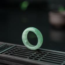 糯种飘翠翡翠戒指