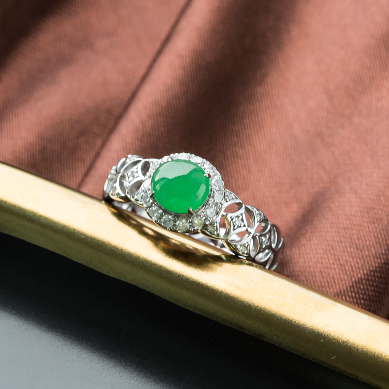 18K糯冰种阳绿翡翠戒指