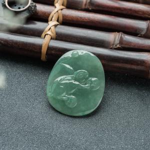 糯冰种深绿翡翠兔子吊坠