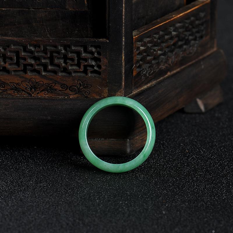 豆種豆綠翡翠戒指