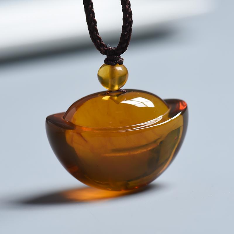 浅金棕琥珀元宝挂件