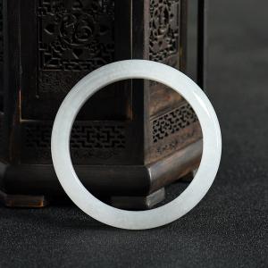 56.5mm糯种白色翡翠手镯