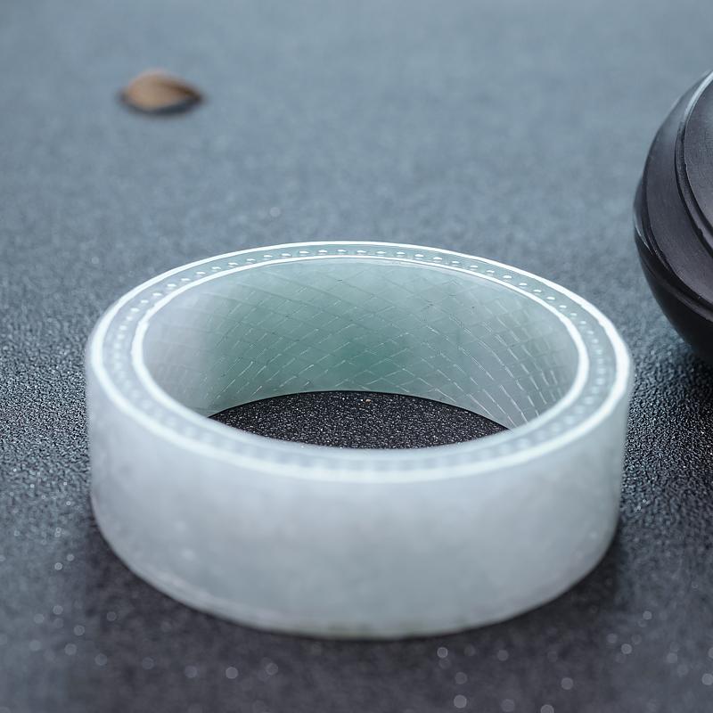 56.5mm糯冰种浅绿翡翠手镯第6张