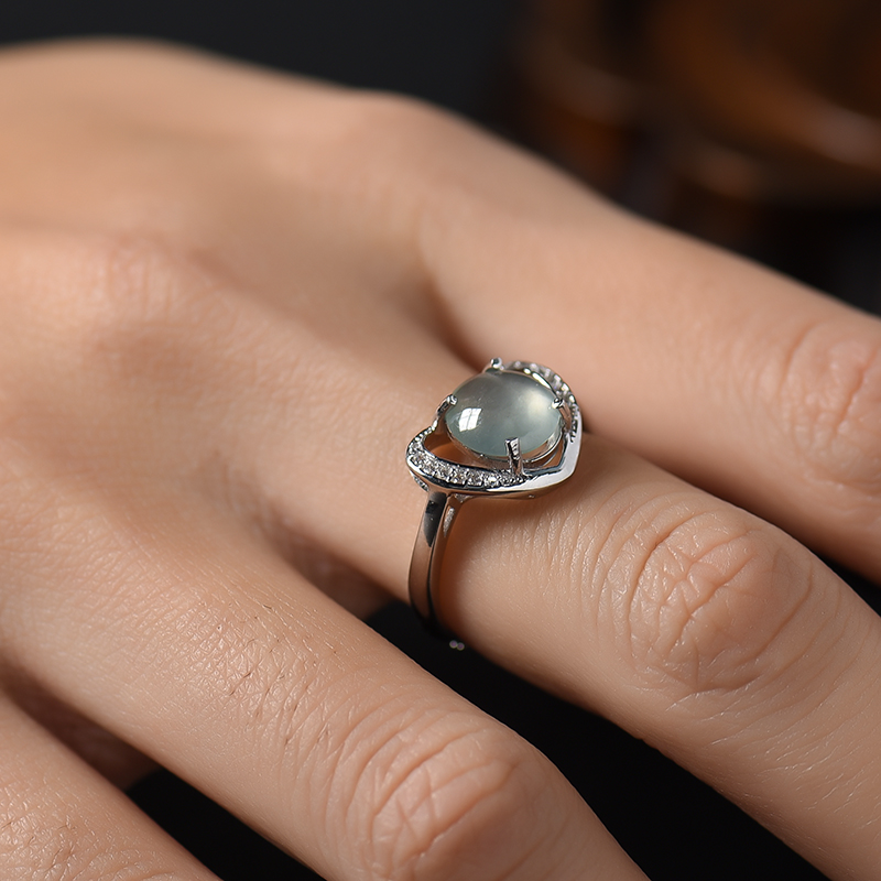 银镶冰种翡翠戒指第7张