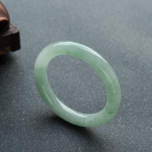 56.5mm糯冰种浅绿翡翠圆镯