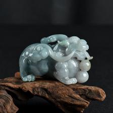 豆种蓝绿翡翠貔貅小摆件