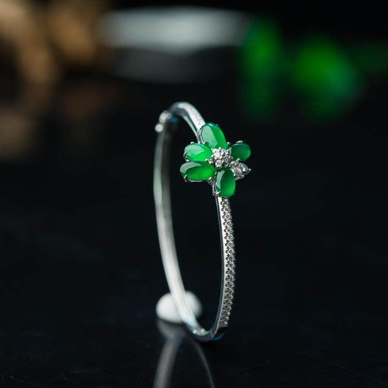 18K糯冰种阳绿翡翠随形手环