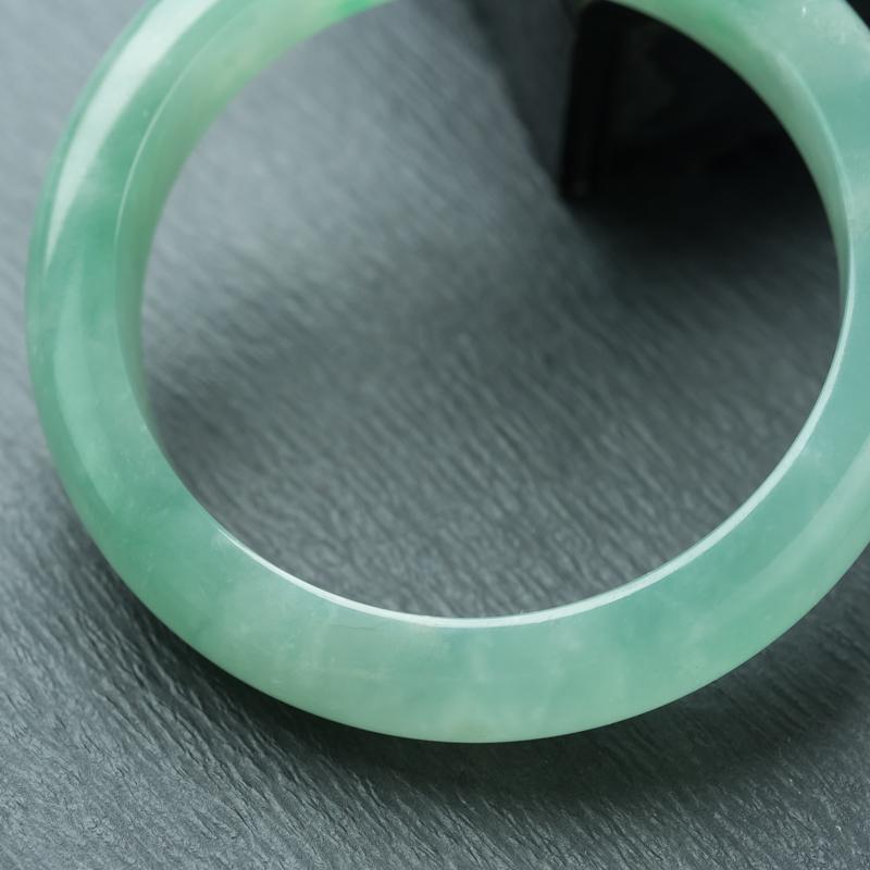 56.5mm糯冰种飘翠翡翠平安镯第5张