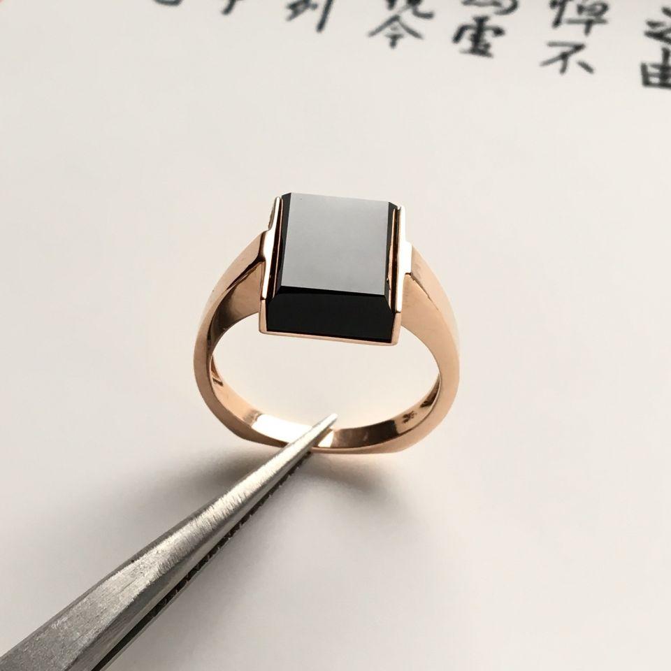 镶玫瑰金冰玻种墨翠方形戒指