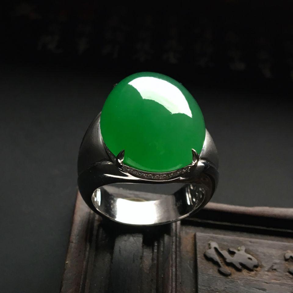 镶白金钻石冰种翠色戒指(男戒)