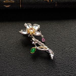 冰种无色镶彩金钻石花型胸针