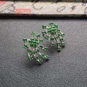 冰种深绿镶白金钻石花型耳钉一对