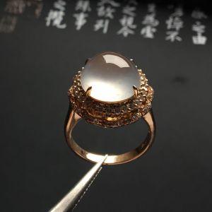 镶玫瑰金钻石冰玻种无色戒指