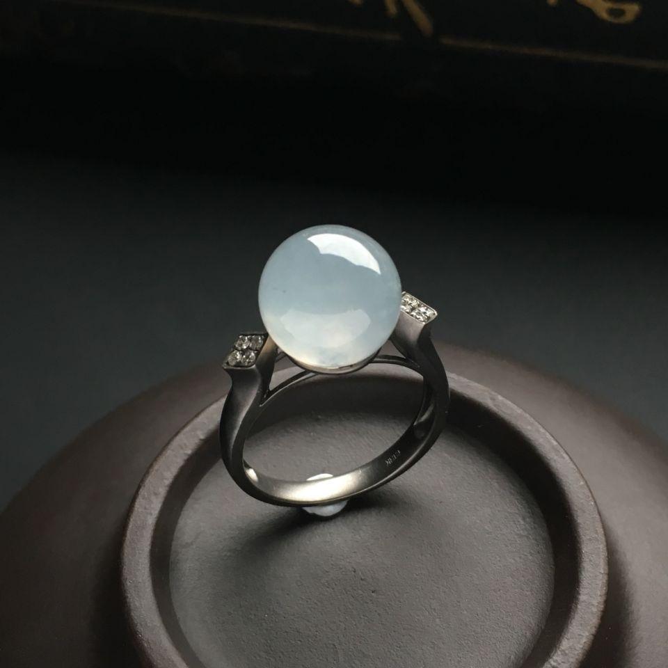 镶乌金钻石冰种淡晴水戒指