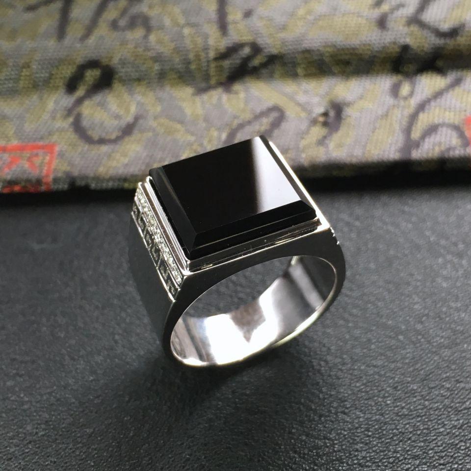 冰种墨翠镶白金方形戒指