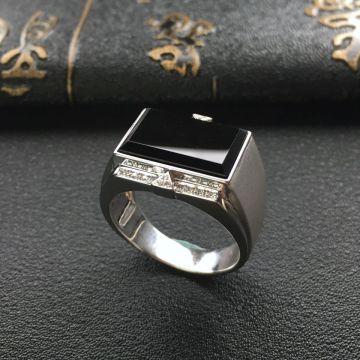 冰种墨翠镶白金钻石马鞍戒指