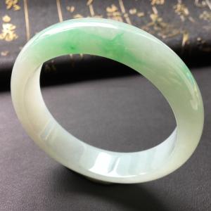 糯冰种飘翠手镯(57.9mm)