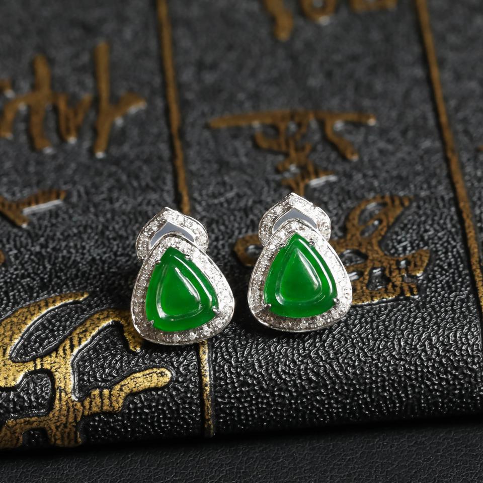 镶白18K金钻石冰种阳绿耳钉