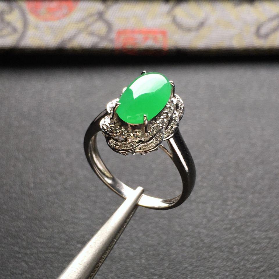 冰种翠色镶白金钻石戒指
