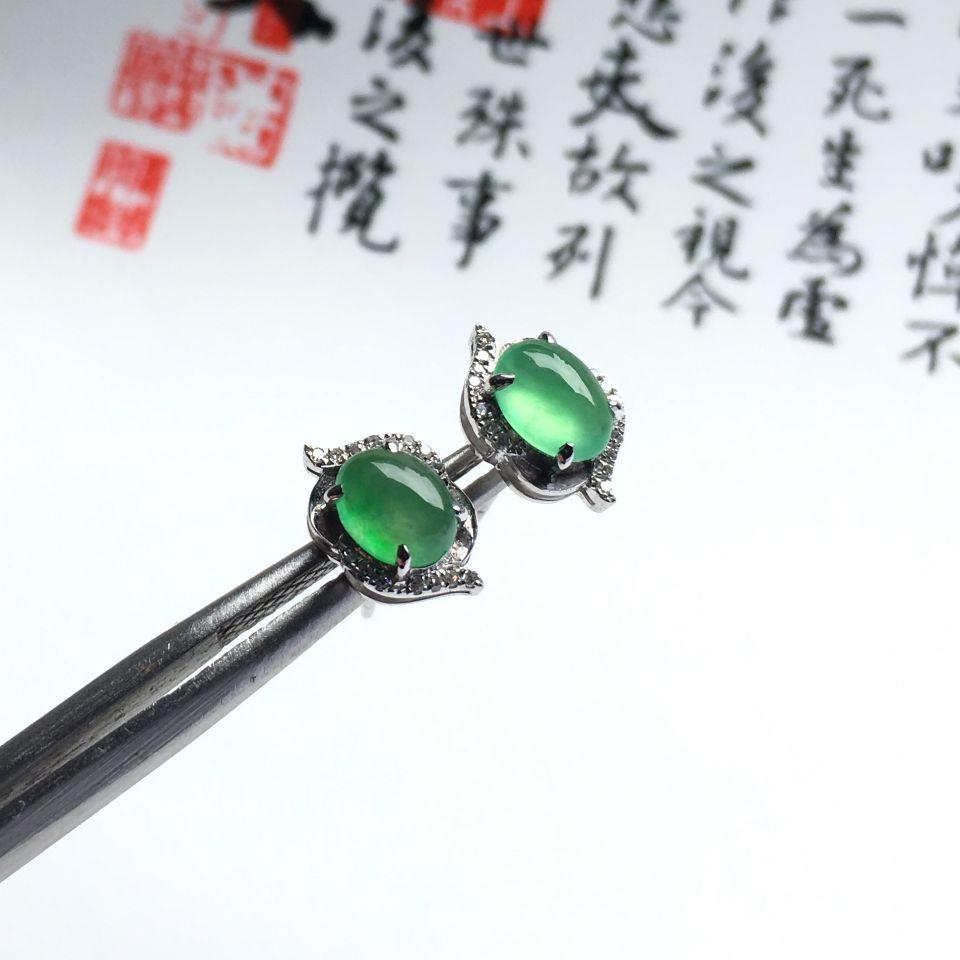 镶白金钻石冰种绿晴水耳钉