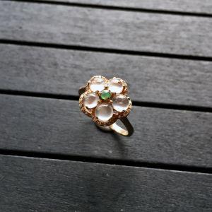 镶玫瑰金钻石玻璃种无色花型戒指