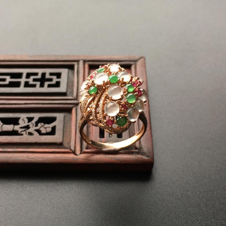 冰种白色/绿晴水镶玫瑰金伴镶碎钻花型戒指第3张