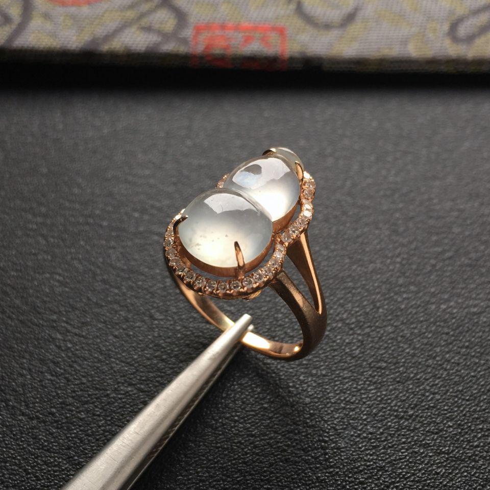 冰种淡晴水镶玫瑰金钻石葫芦戒指