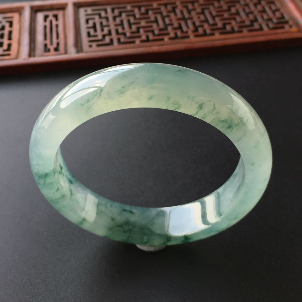 冰种飘花手镯(55.8mm)