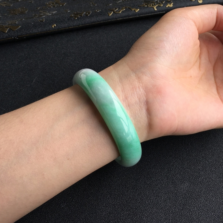 糯冰种飘翠手镯(57.5mm)第8张