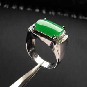 镶白金钻石冰种绿晴水马鞍戒指(男戒)
