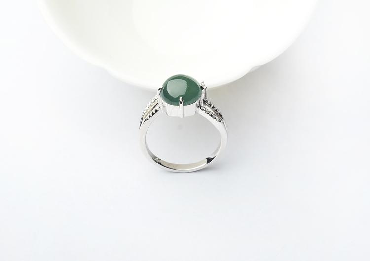 冰种晴水镶白金钻石戒指