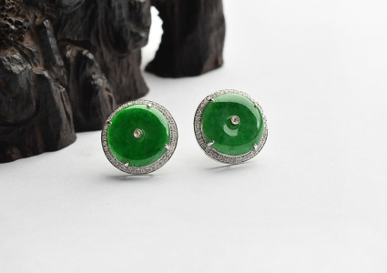 糯冰种浓绿镶白金钻石耳钉