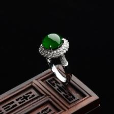冰种浓绿镶白金钻石戒指