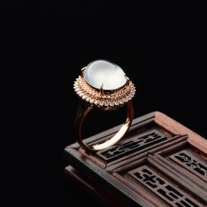 玻璃种起莹光无色镶玫瑰金钻石戒指
