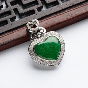 糯冰种浓绿镶白金钻石心心相印胸坠