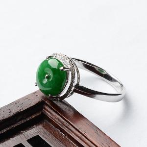 糯冰种阳绿镶白金钻石平安扣戒指