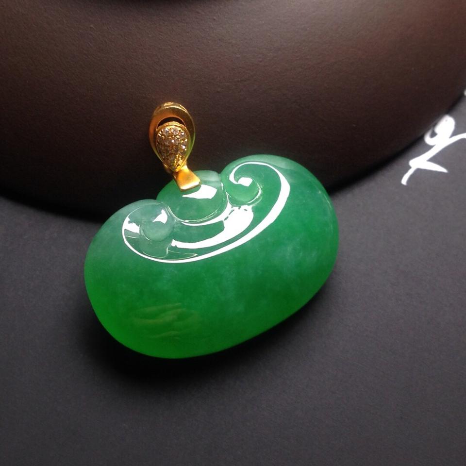 冰种阳绿如意挂件翡翠