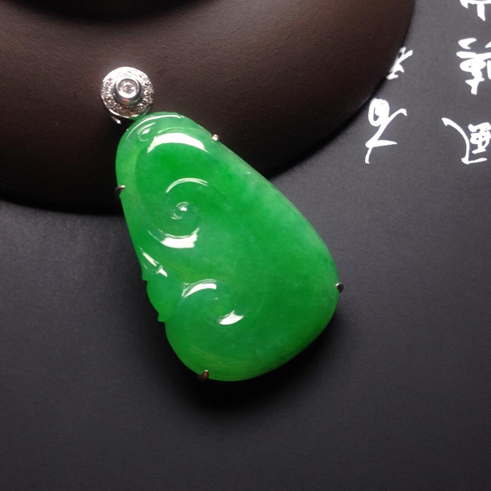 冰种满绿镶白金钻石如意胸坠翡翠第3张