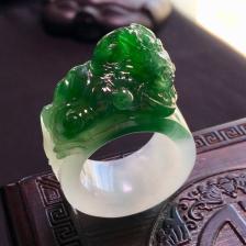 糯冰种浓绿生意兴隆戒指翡翠