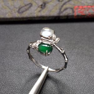冰种蓝绿/无色镶白金钻石花型戒指