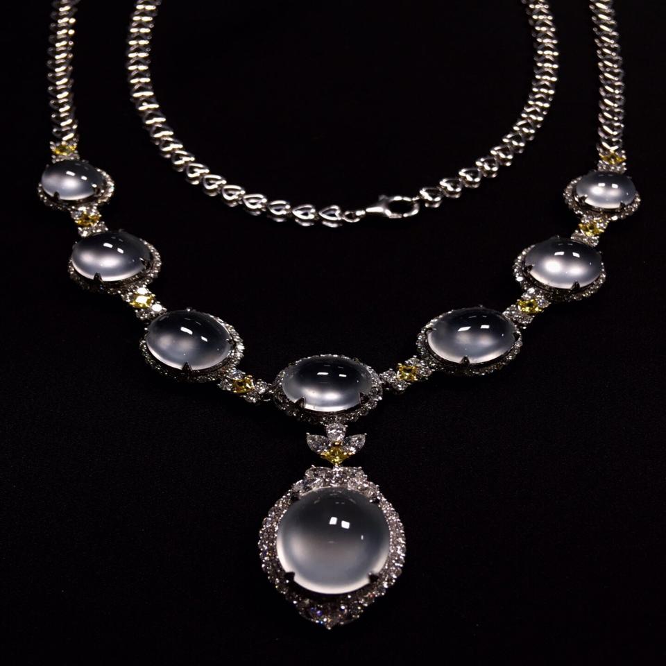 冰玻种镶白金钻石项链翡翠