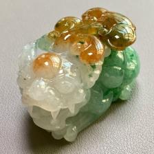 糯冰种黄加绿貔貅挂件翡翠