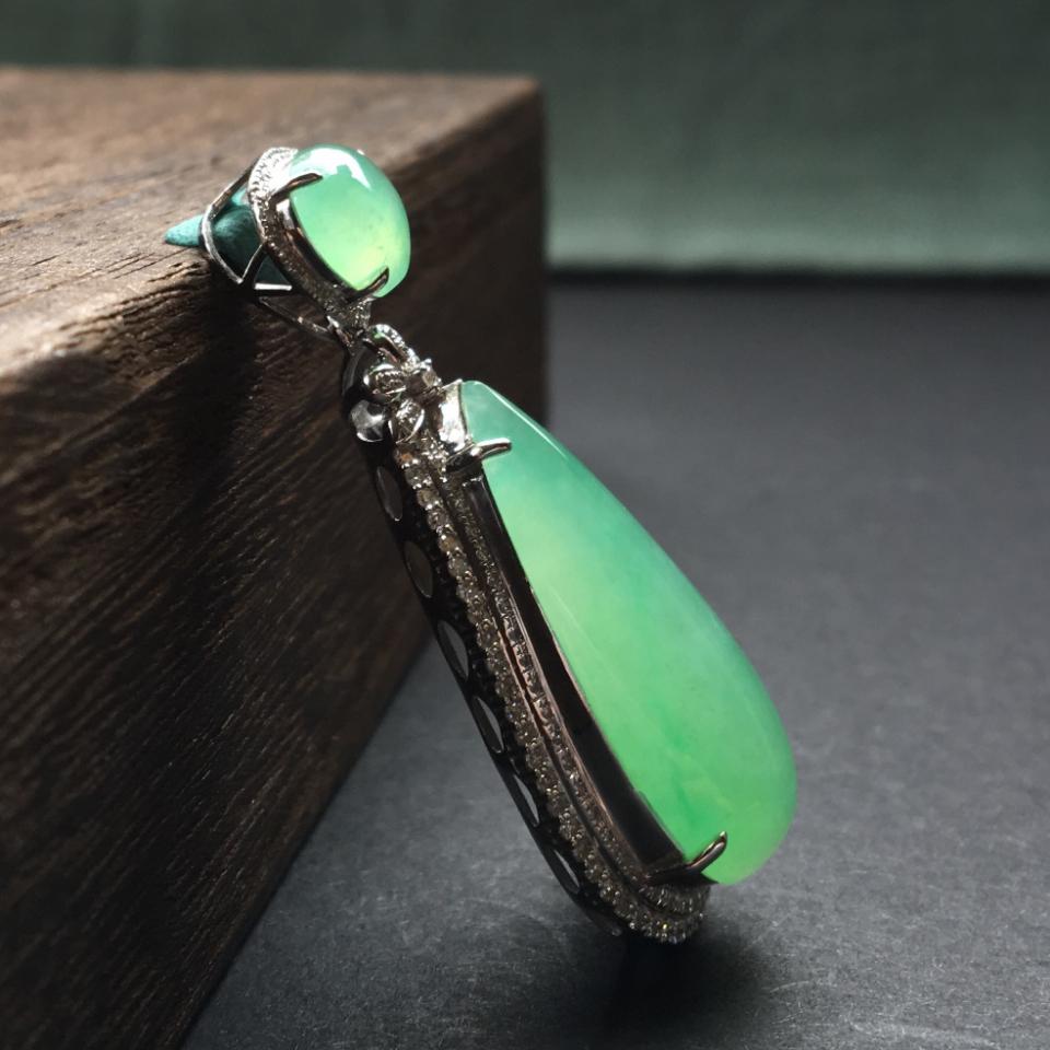 冰种绿晴水镶白金钻石水滴吊坠