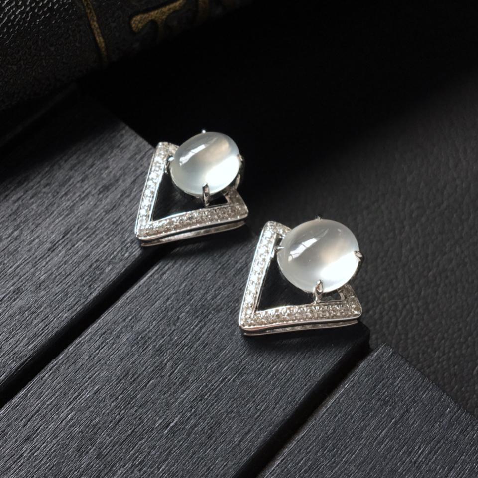 冰种无色镶白金钻石耳钉