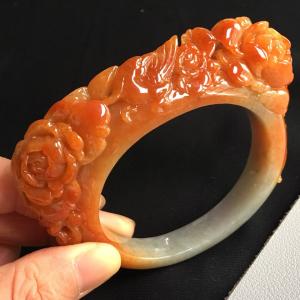 糯冰种黄翡雕花手镯(56.6mm)翡翠