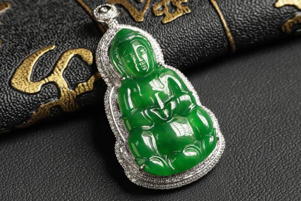 浓绿镶钻石翡翠观音吊坠