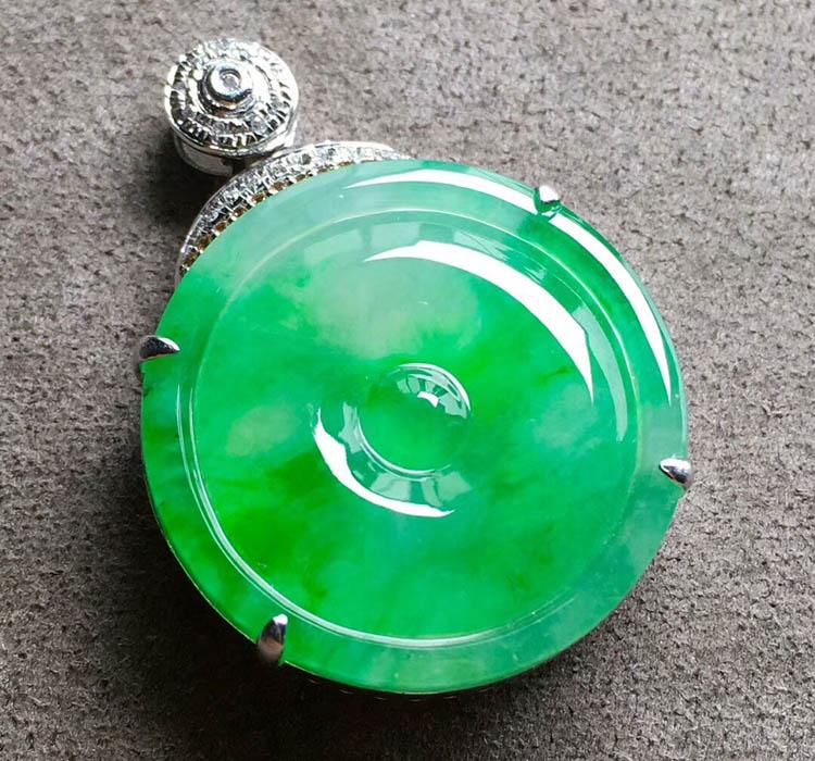 高冰种飘阳绿平安扣翡翠吊坠