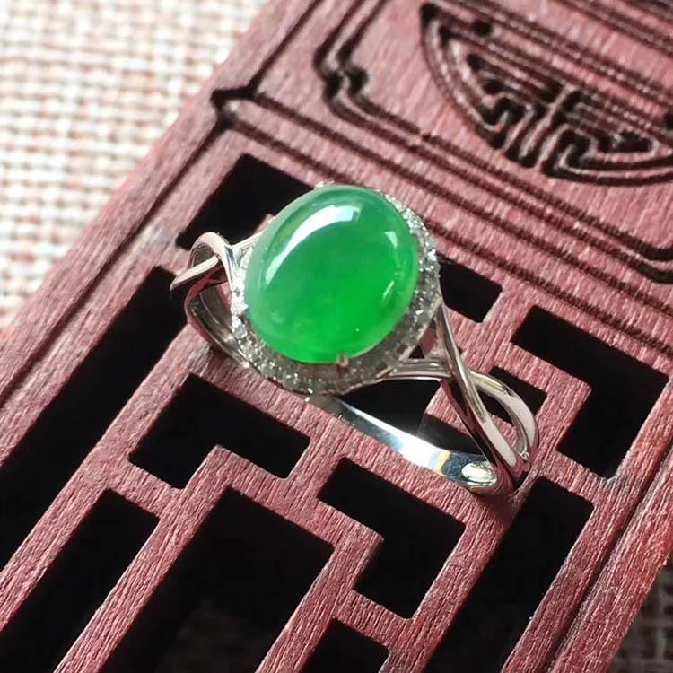 阳绿冰种翡翠戒指(蛋面)