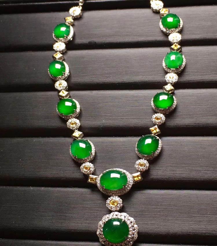 阳绿冰种翡翠项链(蛋面)第3张