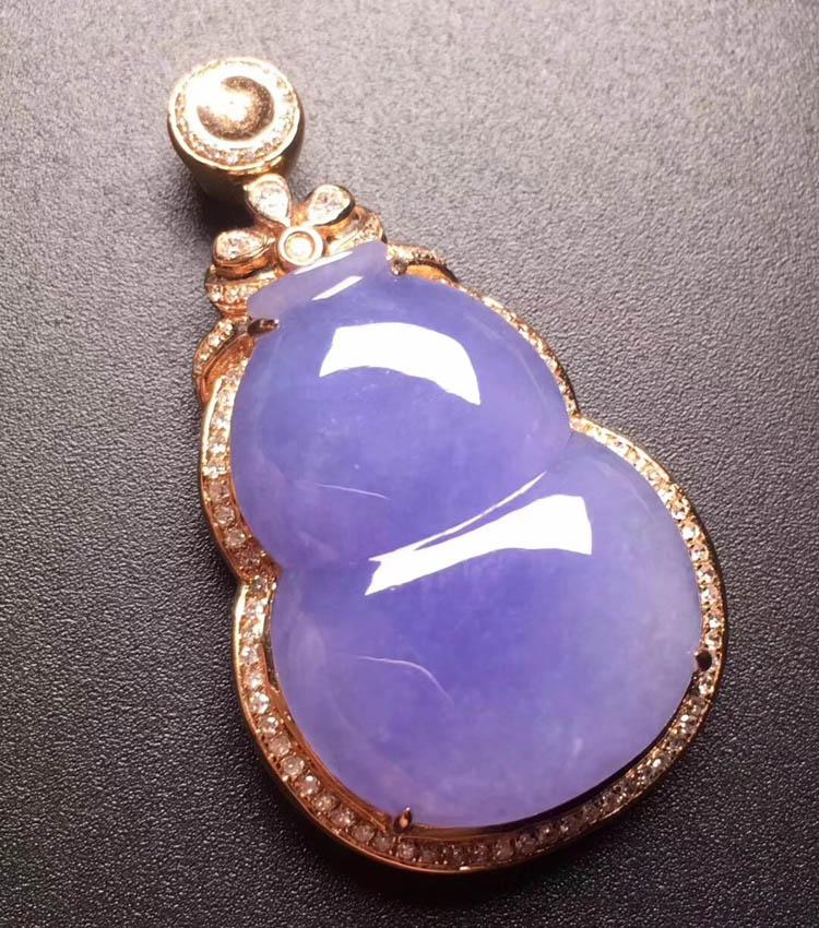 紫罗兰糯冰种葫芦翡翠吊坠